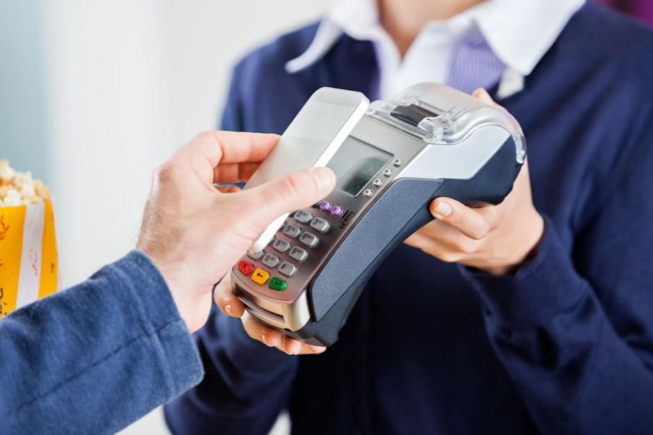 Ministerstwo Rozwoju promuje płatności bezgotówkowe w samorządach