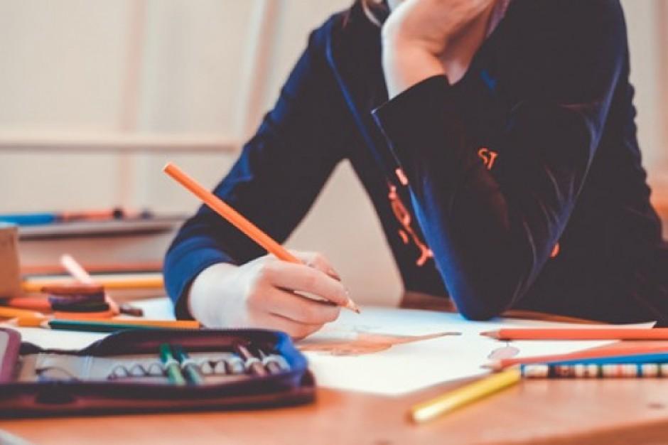 System dwuzmianowy w szkołach do likwidacji