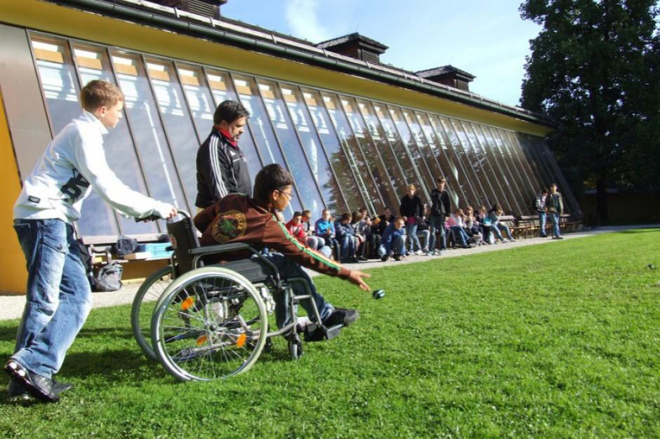 Nauczanie indywidualne dla niepełnosprawnych. MEN: nie muszą chodzić do szkoły
