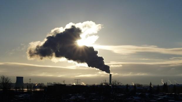 Zanieczyszczenie powietrza: przekroczone normy pyłu PM 2,5 w 19 miastach i aglomeracjach