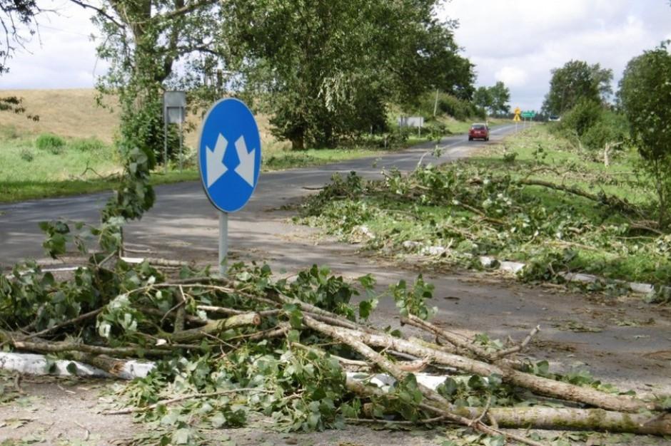 6 uszkodzonych budynków i lokalne braki prądu. Województwo pomorskie podsumowuje straty