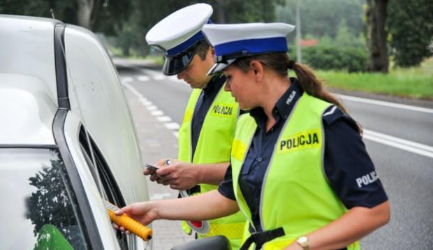 Policjanci będą mieć kamery na mundurach
