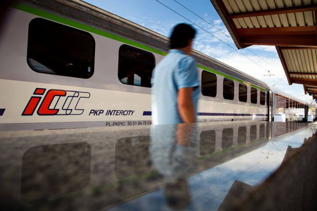 Wspólny bilet na kolei: Oferta PKP i samorządowych przewoźników daleka od ideału