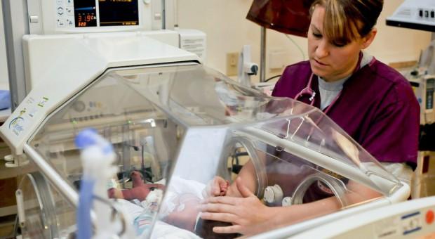 Nowy kierunek studiów w Wałbrzychu odpowiedzią na odpływ pielęgniarek