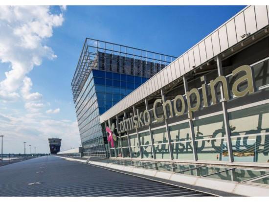 Lotnisko Chopina w Warszawie: Cisza nocna na lotnisku?