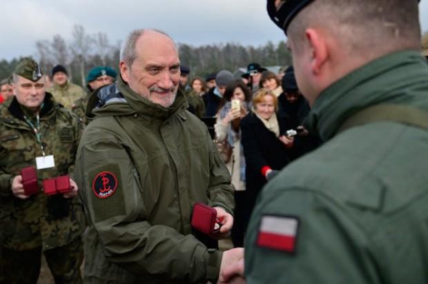 Wojska Obrony Terytorialnej: Minister obrony mówi, że współpraca z samorządami przebiega dobrze