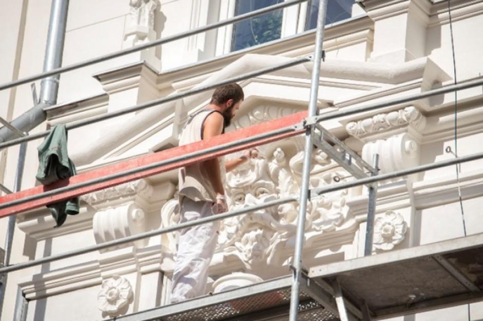 Warszawa odnawia kamienice