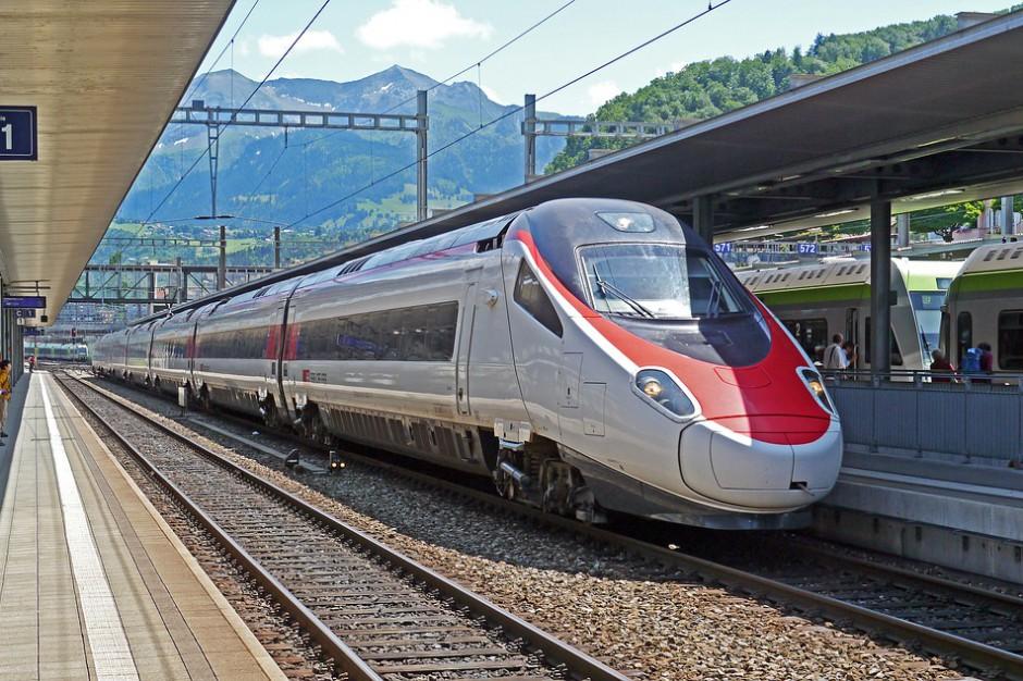 Z Warszawy do Salonik i Helsinek szybką koleją. To możliwe?