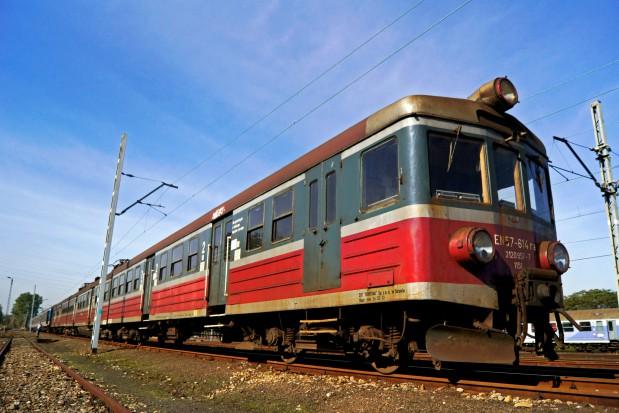 Samorządowe koleje wymieniają tabor. Pociągi EN57 odjadą do przeszłości