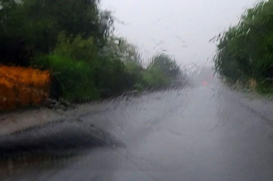 Elbląg, opady deszczu: Wody wracają do koryt rzeki