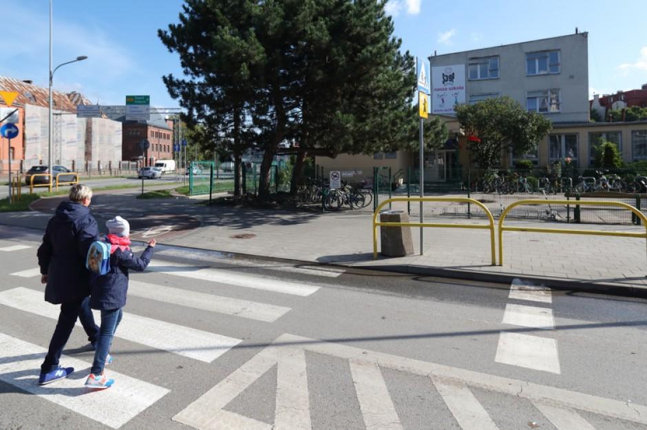 Gdańsk: Nietypowe tablice staną w pobliżu szkół. Mają poprawić bezpieczeństwo