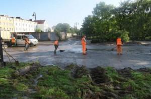 Miasto liczy straty po wylaniu rzeki. Służby monitorują sytuację