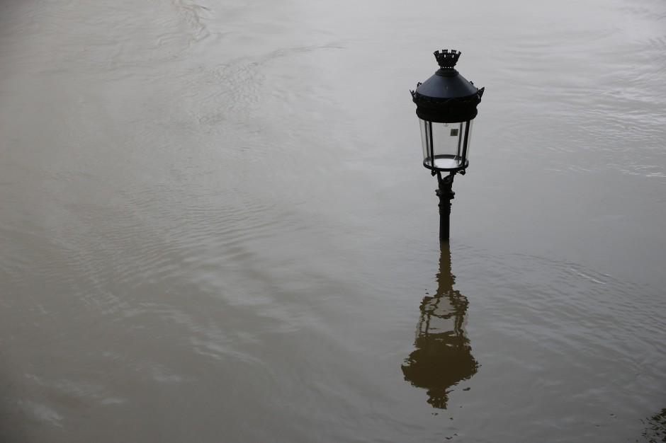 Śląsk: Stany alarmowe na rzekach przekroczone. Pogotowie przeciwowodziowe w miastach