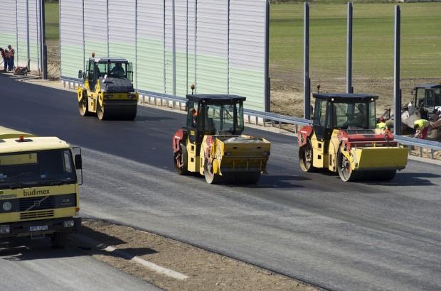W Polce trwa budowa 1250 km dróg