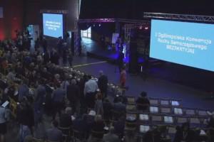 Setki samorządowców na konwencji Bezpartyjnych. Chcą pokonać partie polityczne
