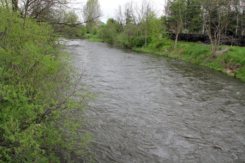 Na Śląsku mija zagrożenie powodziowe - obniża się poziom wody w rzekach