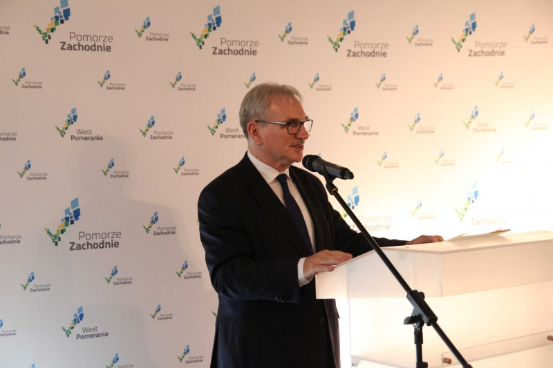 Marek Olszewski mówił o niebezpieczeństwach związanych z wchłanianiem mniejszych gmin przez duże miasta. (fot. wzp.pl)