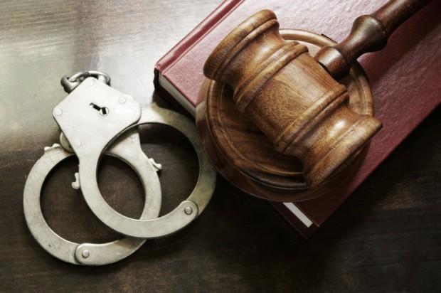 Łódź. Areszt dla policjanta, który pod wpływem alkoholu postrzelił mężczyznę