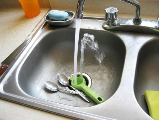Nowe taryfy za wodę i ścieki: Radni mają niewiele do powiedzenia