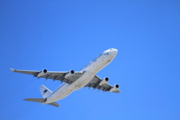 W trzy miesiące ponad 2,5 tys. pasażerów rejsu lotniczego Kraków-Chicago