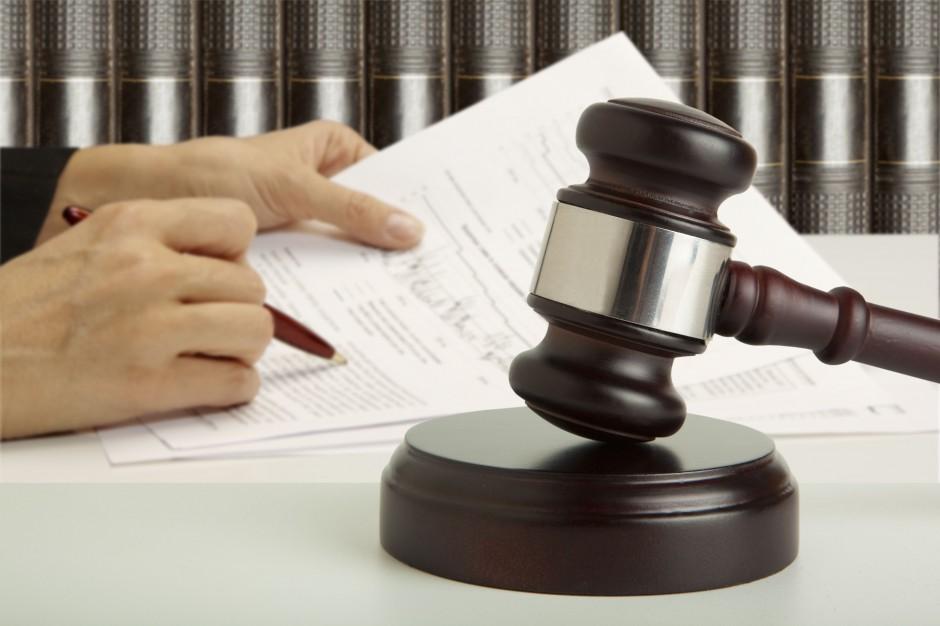 Podlaskie: Proces b. dyrektorki szkoły oskarżonej o łapówki przedłuża się