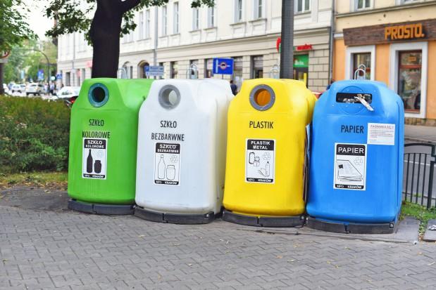 Kto zarabia na odpadach? Na pewno nie gminy