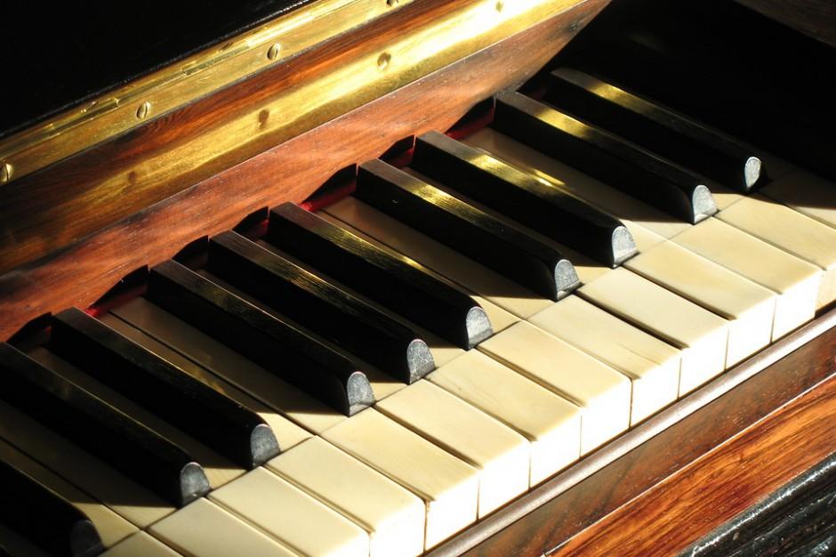 Radom: Szkoła muzyczna kupiła instrumenty za pieniądze ze spadku po Marii Fołtyn