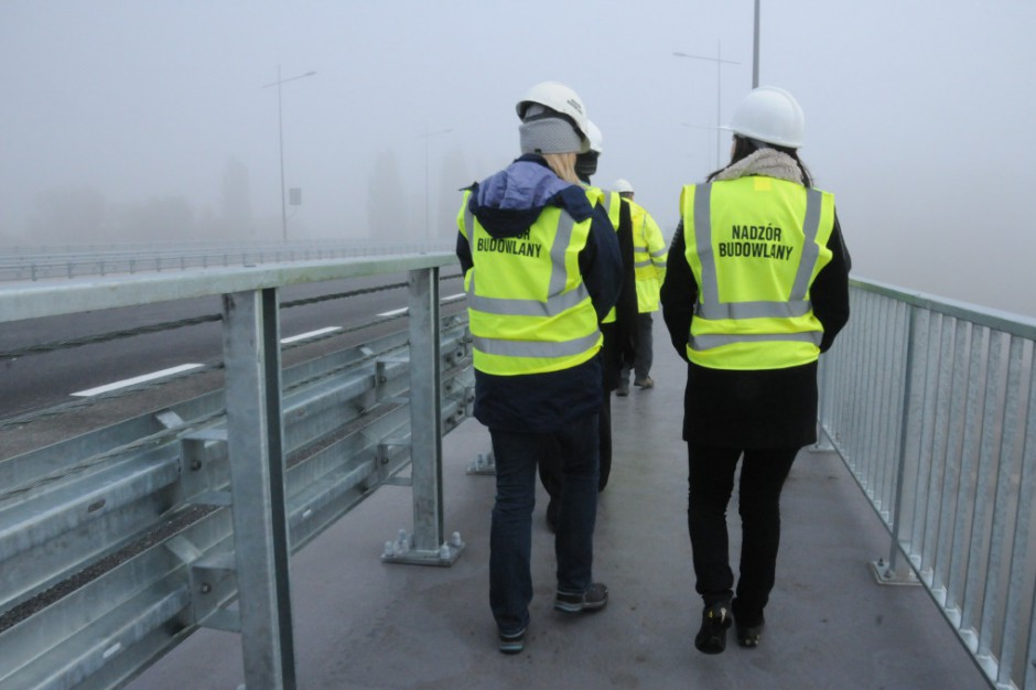 Powiatowi inspektorzy nadzoru budowlanego na cenzurowanym
