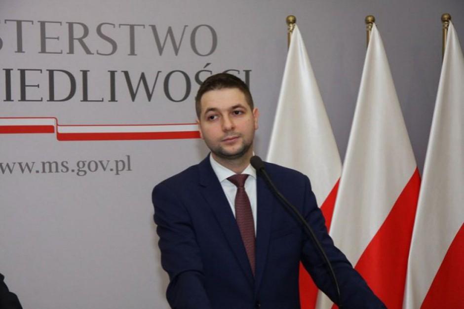Jaki: Jarosław Jóźwiak próbuje kryć Gronkiewicz-Waltz