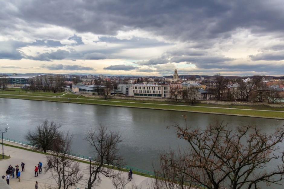 Kraków ma nowy przewodnik dla turystów. Bezpłatna aplikacja skieruje do miejsc inspirujących literacko