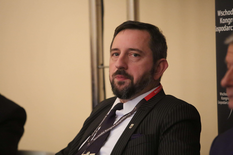 """Radosław Dobrowolski, burmistrz Supraśla uważa, że jego miasto jest """"slow"""" w pozytywnym znaczeniu. Fot. PTWP"""
