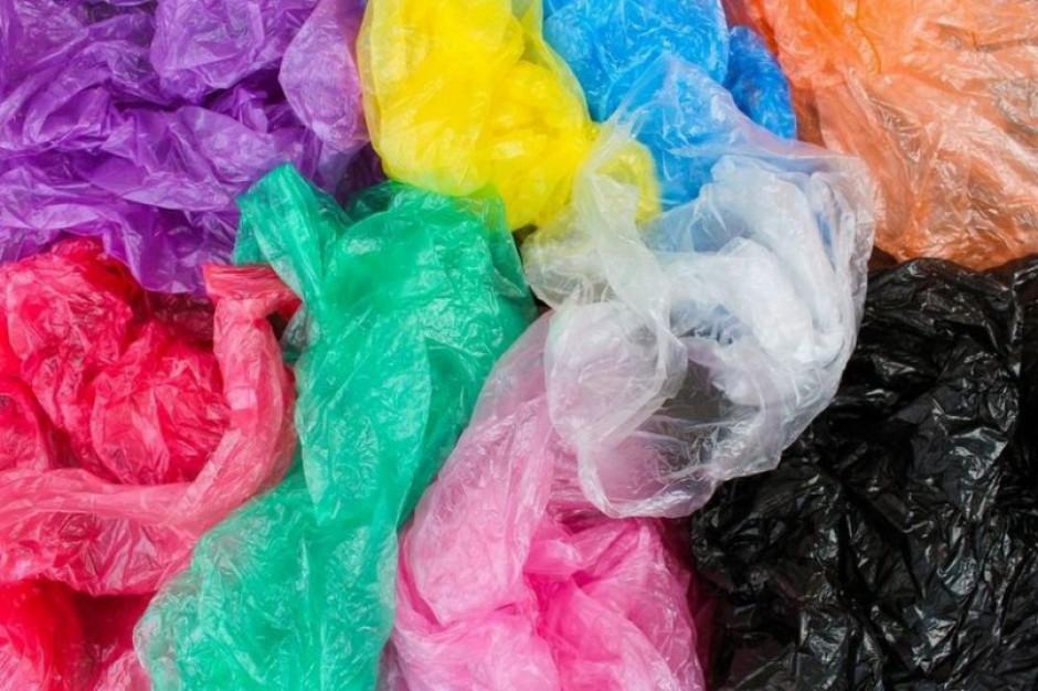 Opłata recyklingowa za foliową torebkę. Projekt Ministerstwa Środowiska trafił do konsultacji