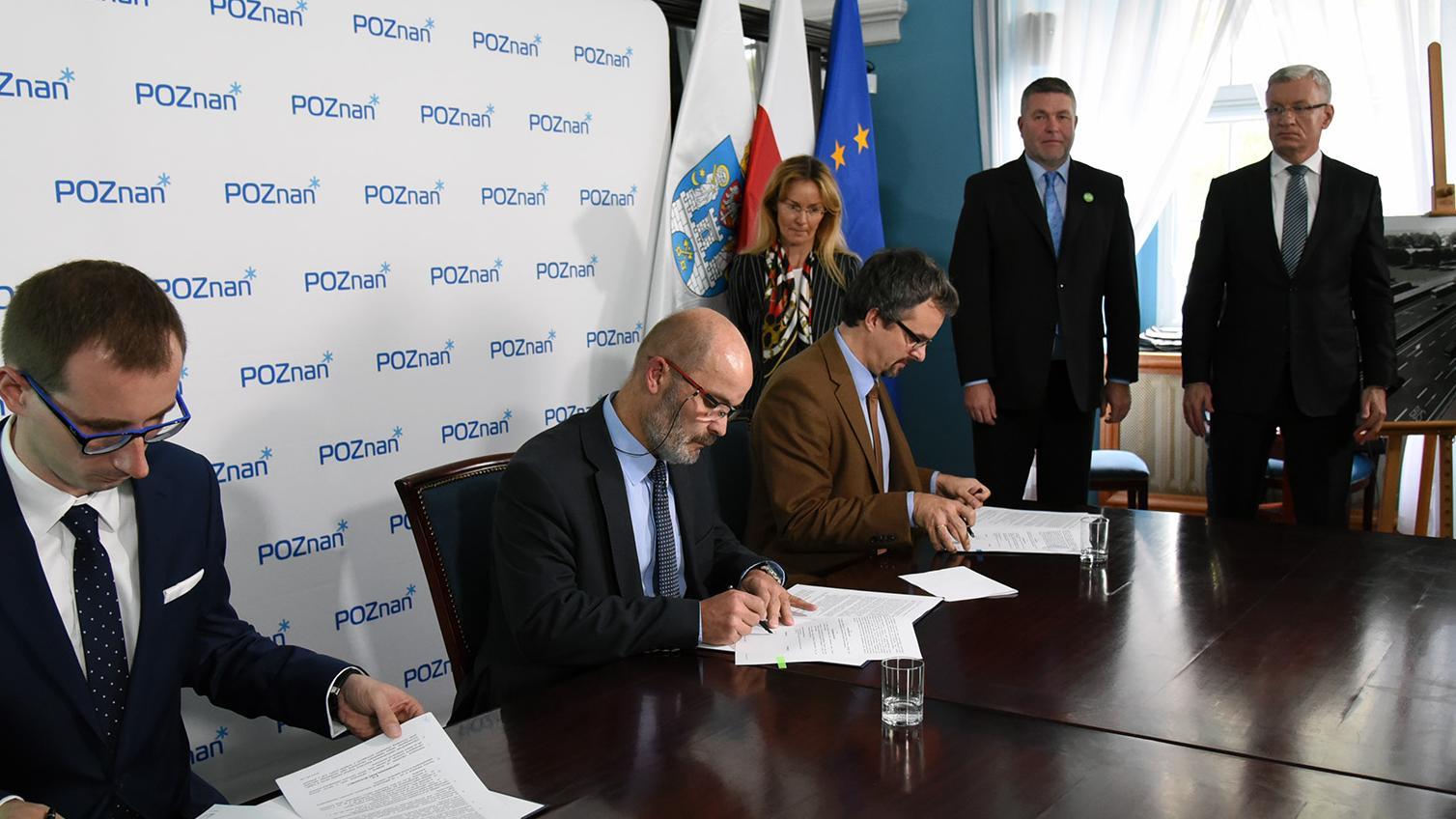 Podpisanie umowy na wykonanie Programu Funkcjonalno-Użytkowego. Fot. UM Poznań