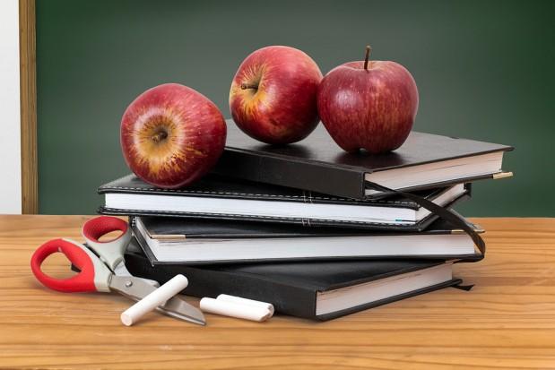 MEN: projekt rozporządzenia ws. oceniania nauczycieli to materiał informacyjny