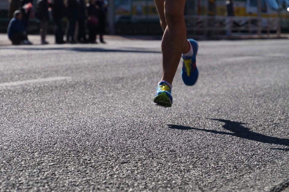 Wojewoda krytykuje organizację poznańskiego maratonu, organizator bada nieprawidłowości