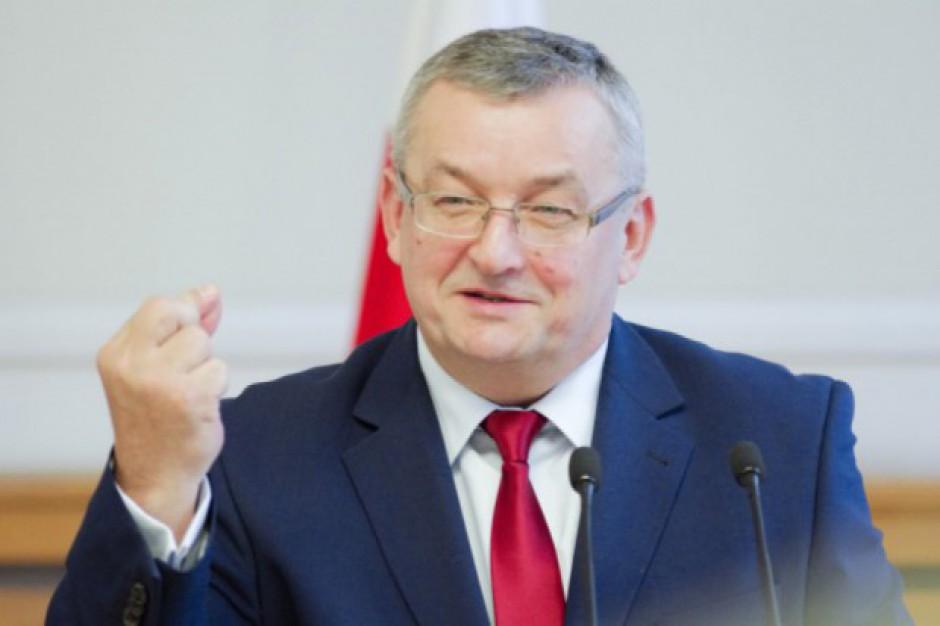 """Andrzej Adamczyk chce """"obudzić"""" kapitał ws. Mieszkania plus"""
