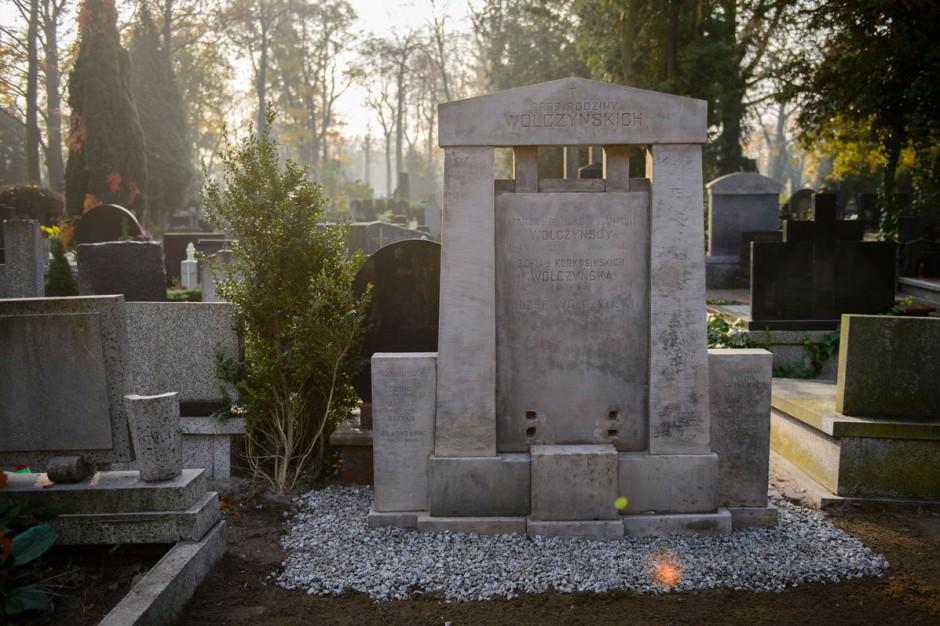 Odnowiono nagrobek rodziny Wolczyńskich na Starym Cmentarzu w Łodzi