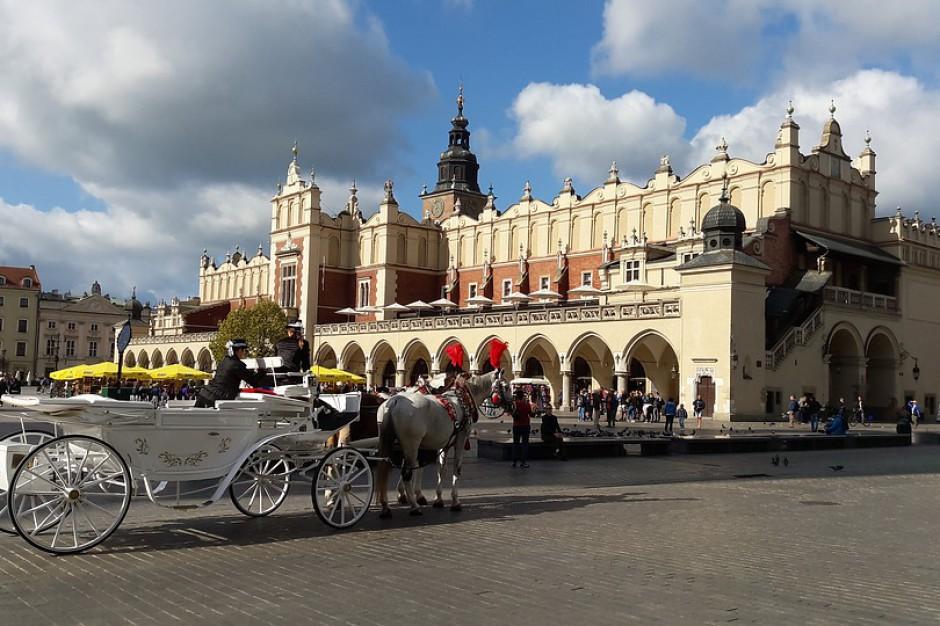 Remont rynku w Krakowie z wpadką. W przetargu pomylono cenę netto z brutto