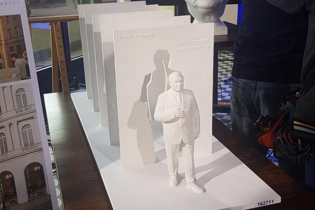 Wyróżniony pomnik śp. Prezydenta RP Lecha Kaczyńskiego (fot.twitter.com/SasinJacek)