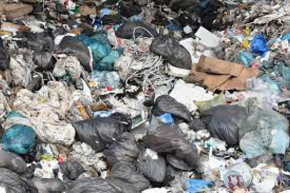 Nielegalne wysypiska. Tysiące ton niemieckich śmieci w Wielkopolsce