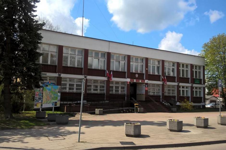Burmistrz Augustowa posądzany o mobbing. Radni chcą, aby ustąpił z funkcji