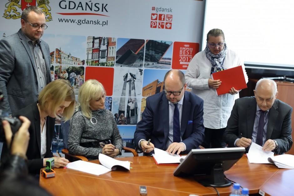 Gdańsk podpisał umowy na realizację in vitro. Pary mogą zgłaszać się do programu