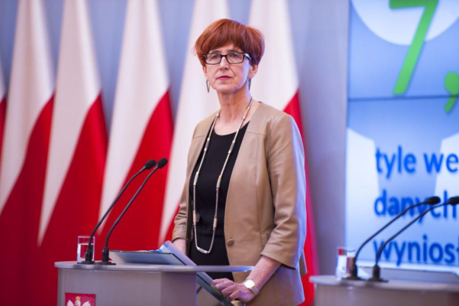 Elżbieta Rafalska apeluje do władz lokalnych o schronienie dla bezdomnych