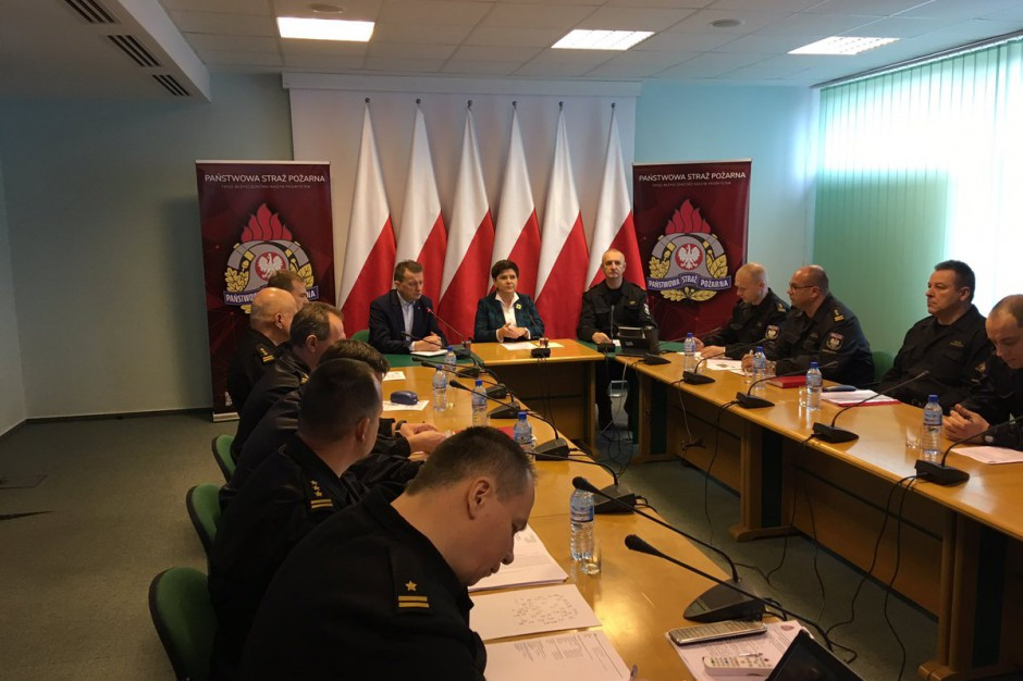 Wichury na Polską: Premier i szef MSWiA spotkali się z wojewodami
