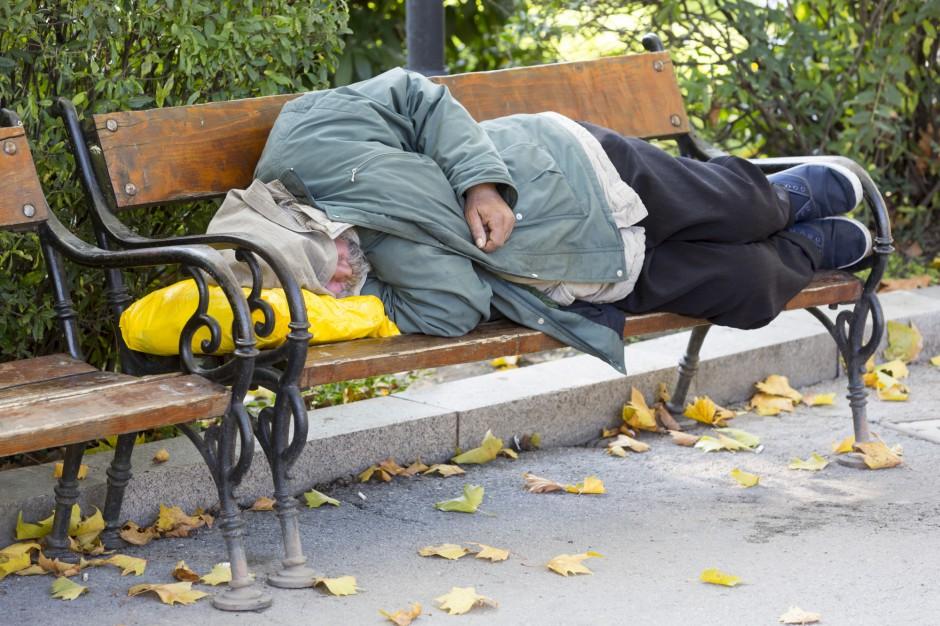 Śląskie: ruszyła bezpłatna infolinia dla bezdomnych