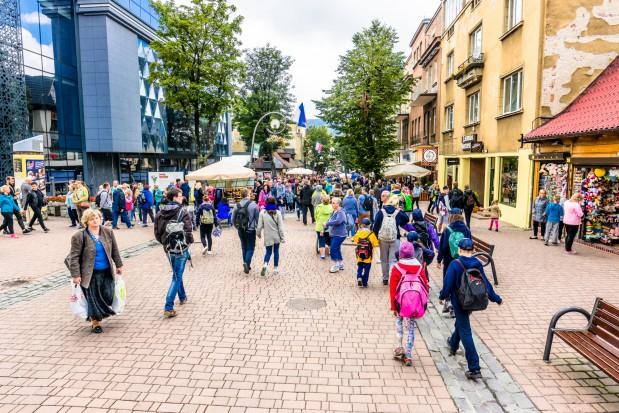 """Policja ostrzega przed """"wirtualnymi pensjonatami"""" w Zakopanem"""