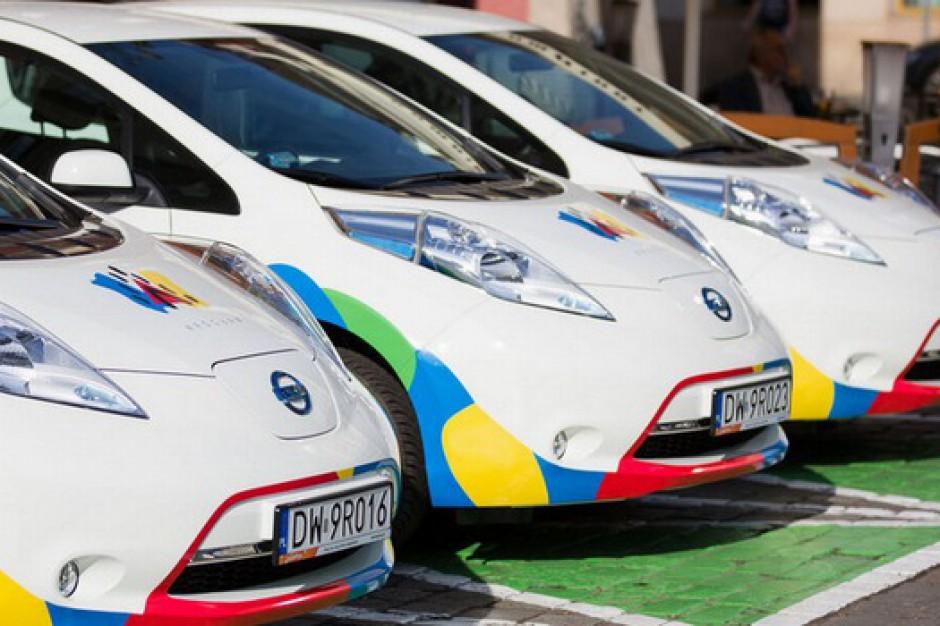 Wrocław: miejska wypożyczalnia elektrycznych samochodów strzałem w dziesiątkę
