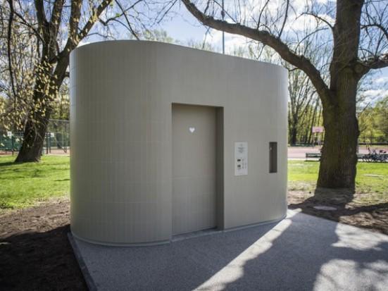 Warszawa stawia automatyczne toalety
