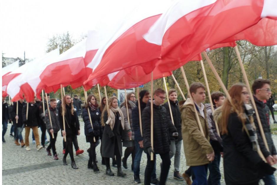Marsz wolności w przeddzień Święta Niepodległości w Radomiu