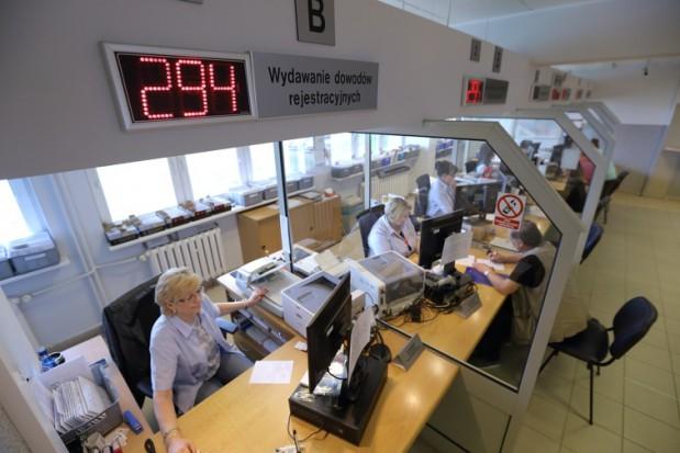 CEPiK. Problemy z rejestracją pojazdów i wydawaniem dowodów rejestracyjnych